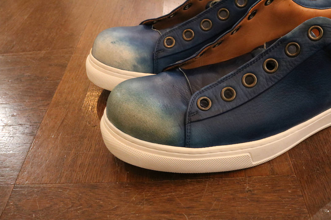 Bluestone Sneakersの変化を楽しむ